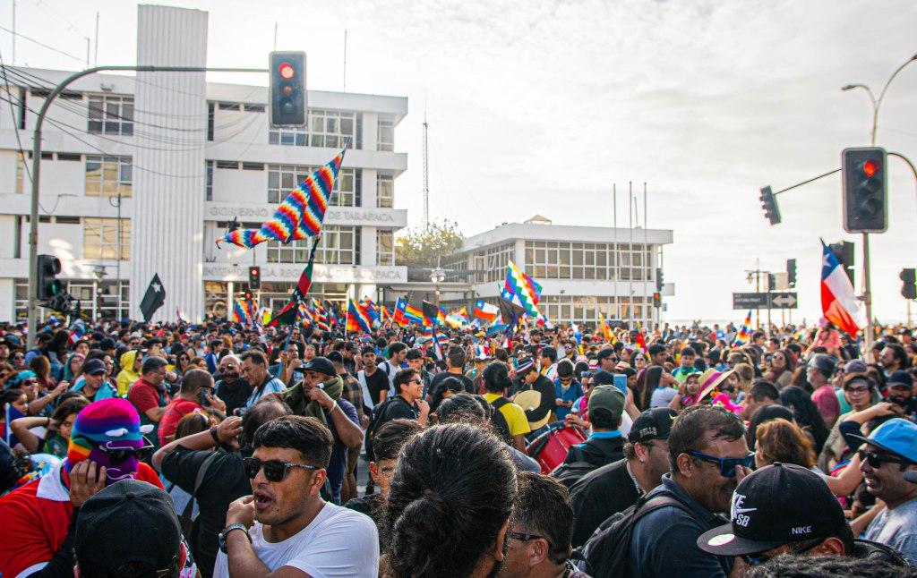 Concentración de músicos y manifestantes frente a la Gobernación de Tarapacá